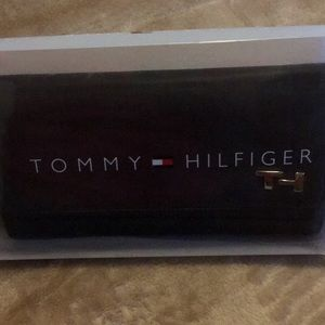 Tommy Hilfiger Checkbook Clutch
